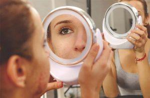 Estudio sobre el acné moderado a severo
